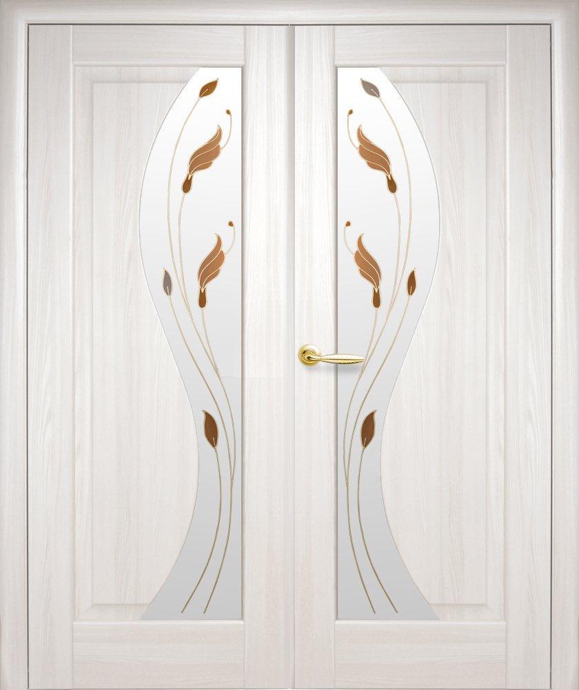 Двері двостворчаті Ескада Новий Стиль ясень делюкс зі склом Р1