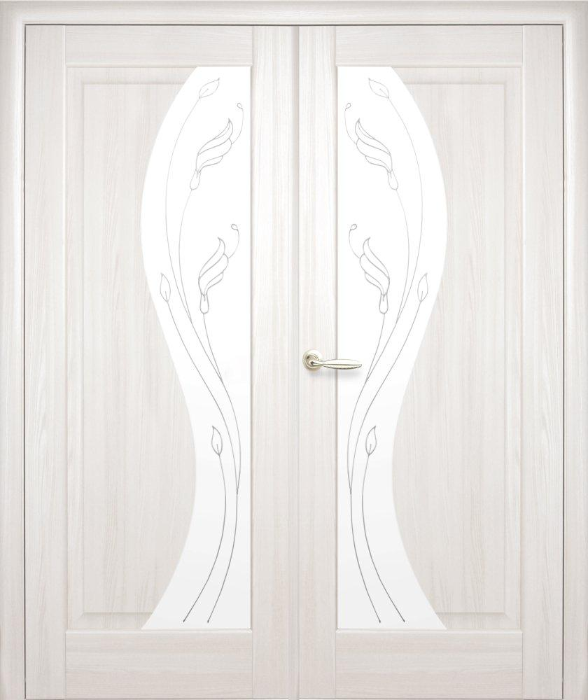 Двері двостворчаті Ескада Новий Стиль ясень делюкс зі склом Р2