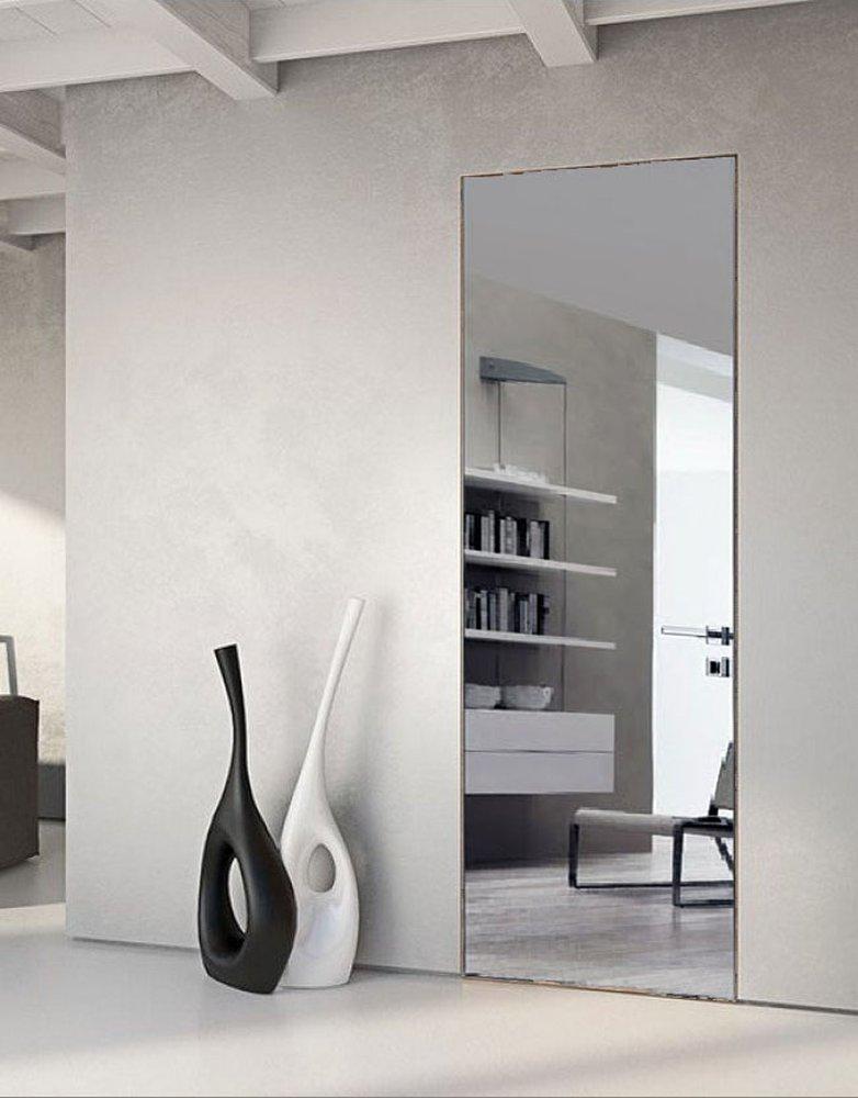 Двери с алюминиевой коробкой с зеркалом серебро / стекло лакобель Invisible - Межкомнатные двери — фото №1