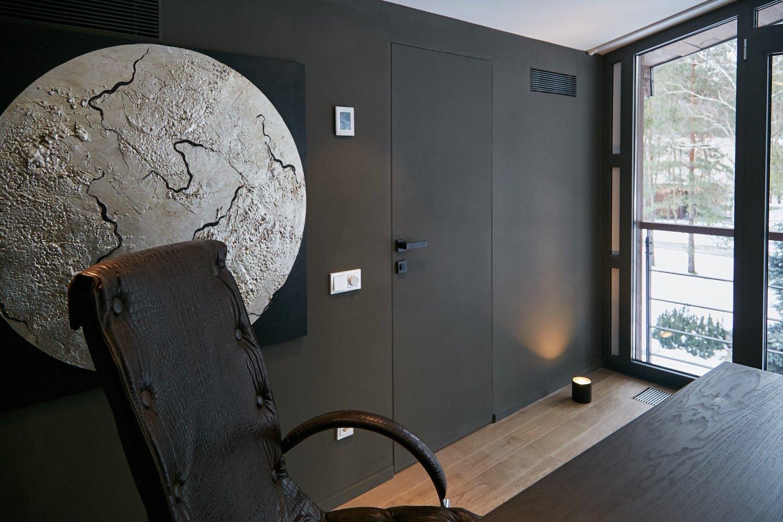 Тайные двери в стене