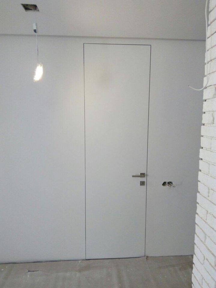 Высокие невидимые двери