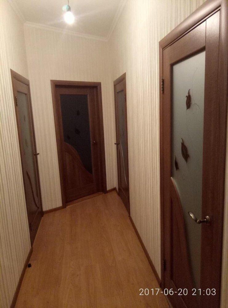 Двери Амата Новый Стиль золотая ольха делюкс со стеклом Р1 - Межкомнатные двери — фото №1