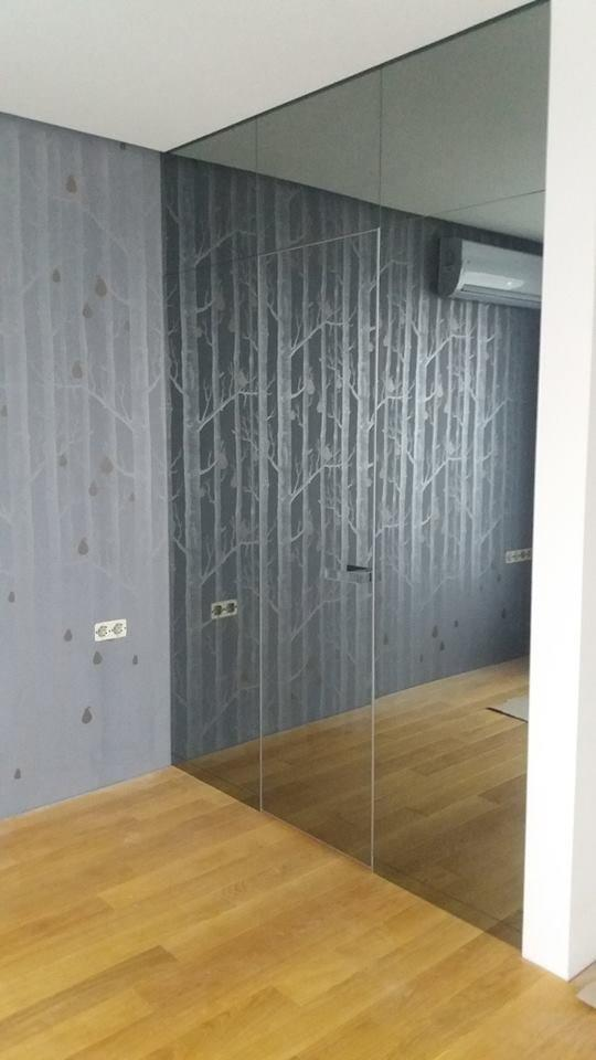 Двери без наличников с зеркалом бронза / серебро Invisible - Межкомнатные двери — фото №1