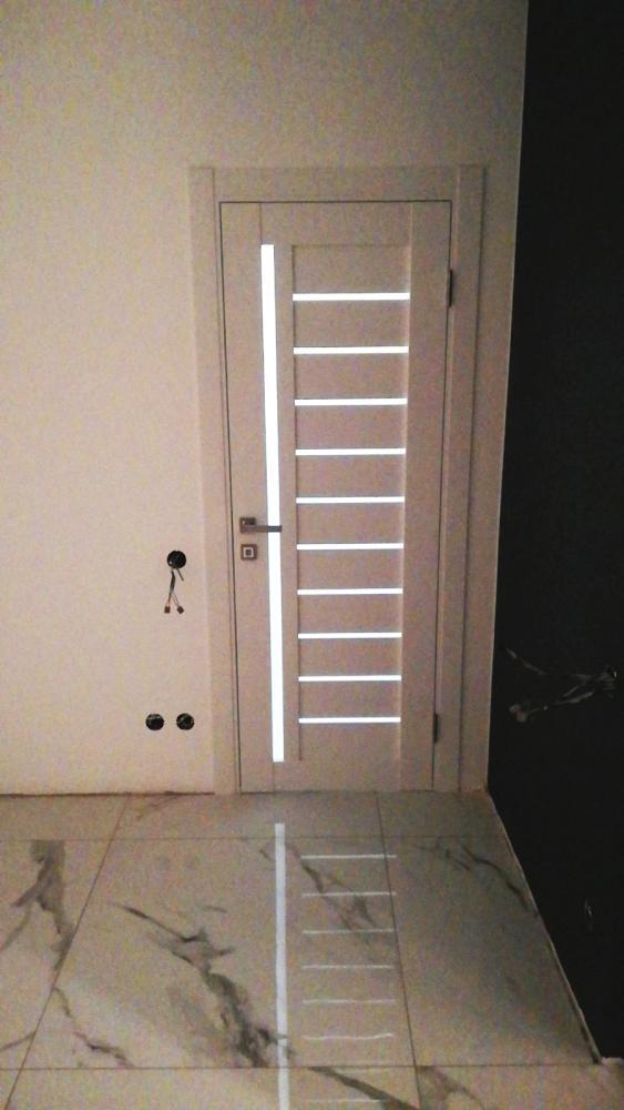 Двери Modern Bianca Родос каштан белый полустекло - Межкомнатные двери — фото №1