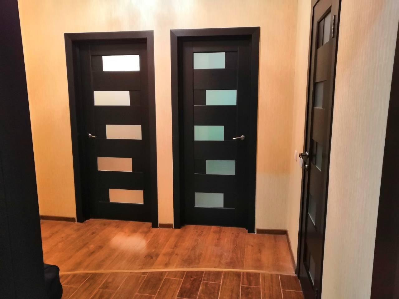 Двери Пиана Новый Стиль венге делюкс стекло Сатин - Межкомнатные двери — фото №1