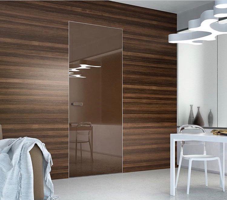 Двери высокие скрытого монтажа с зеркалом бронза с двух сторон Invisible - Межкомнатные двери — фото №2