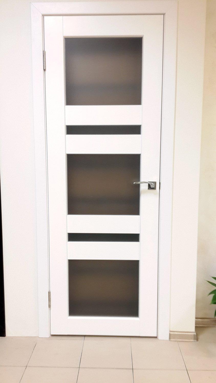 Стеклянные белые двери