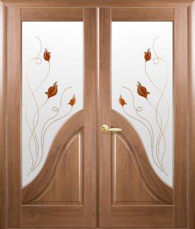 Двери двустворчатые Амата Новый Стиль золотая ольха Делюкс со стеклом Р1