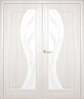 Двери двустворчатые Эскада Новый Стиль ясень Делюкс со стеклом Р2
