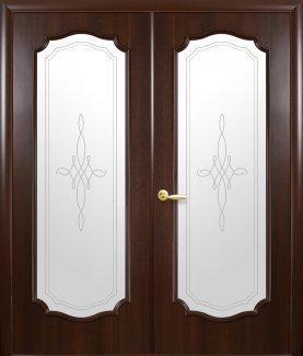 Двери двустворчатые Рока С Новый Стиль каштан Делюкс со стеклом