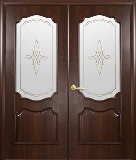 Двери двустворчатые Рока Новый Стиль каштан Делюкс со стеклом Р1