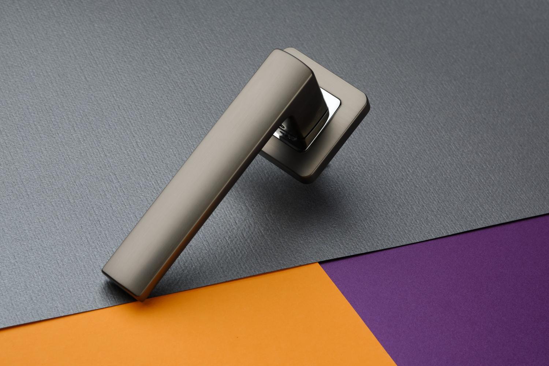 Ручки Safita Strong SQ MSB/CP графит матовый / полированный хром - Дверные ручки — фото №10
