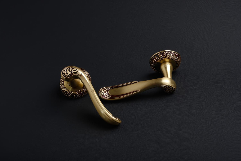 Ручки Safita R08 H196 RAC золото с патиной - Дверные ручки — фото №2