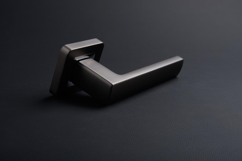 Ручки Safita Strong SQ MSB/CP графит матовый / полированный хром - Дверные ручки — фото №2