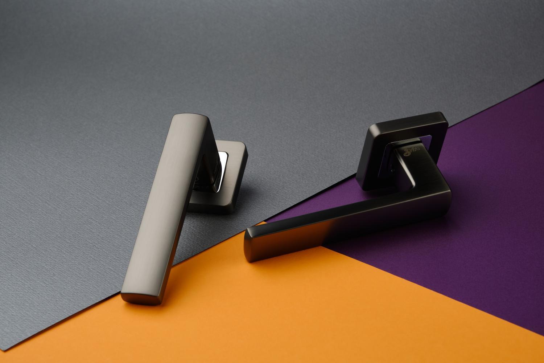 Ручки Safita Strong SQ MSB/CP графит матовый / полированный хром - Дверные ручки — фото №6